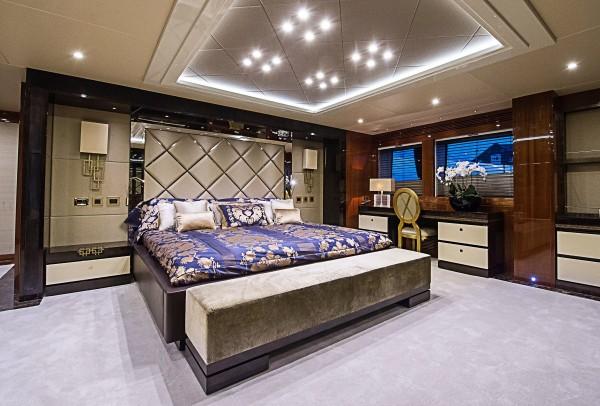 13-Extravagant-bedroom-600x406