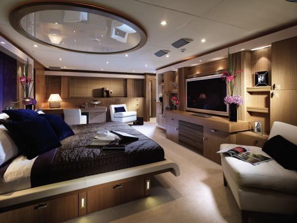 5-Yacht-bedroom-600x450