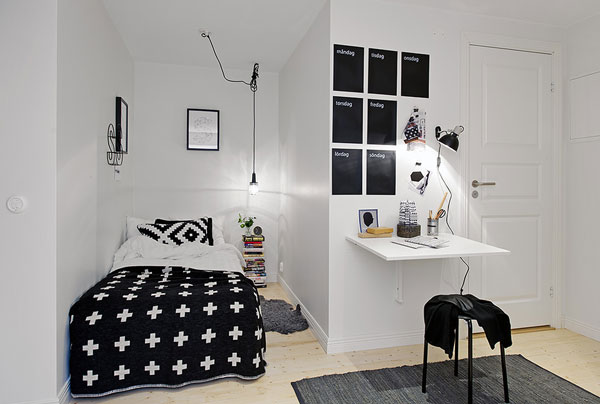 Lovely-little-niche-for-the-bed-in-white