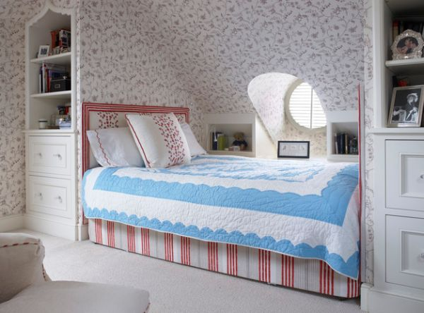 Use-wallpaper-even-for-the-sloped-attic-roof-to-create-visual-uniformity