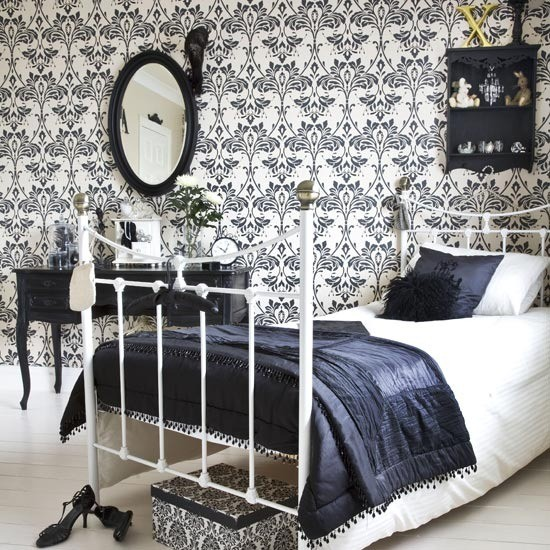 damask-bedroom2